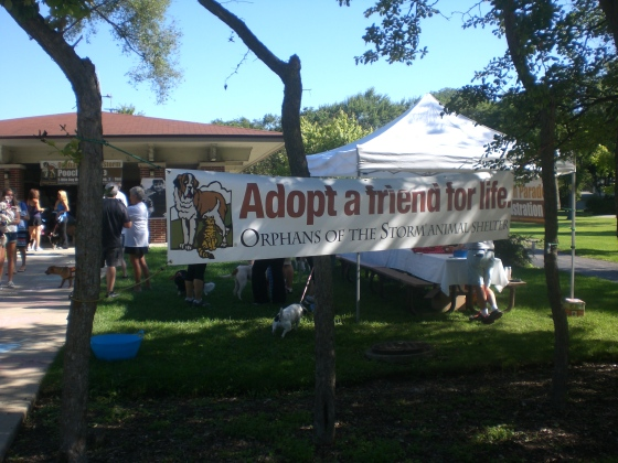 The banner welcoming everyone to the Pooch Parade